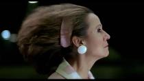 《崩溃边缘的女人》 片段3