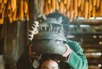 """昨日,一则""""舒淇息影""""的消息在网上疯传,引起了诸多媒体和网友的广泛关注。但随后女神在微博上澄清""""休息不是退休"""",让一干网友大呼""""万幸""""。其实,舒淇息影的传闻实属""""乌龙"""",她与王千源、张孝全、曾志伟、杨祐宁主演的春节档电影《健忘村》在两个月后就要上映了,而在这部新片里,舒淇颠覆形象出演,以""""健忘村一花""""的形象示人,着实令人期待。"""