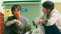 《致命恋爱》预告片 河智苑千正明翻垃圾找线索