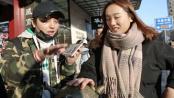 """《健忘村》曝街采视频 """"忘忧""""高调出街引围观"""