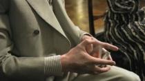 《间谍同盟》韩版预告 布拉德·皮特花样玩扑克