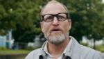《威尔逊》预告片 伍迪·哈里森化身神经质老爸