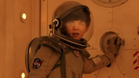 《世界之外》终极预告 巴特菲尔德上演火星情缘