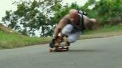 《极限特工:终极回归》片段 范·迪塞尔变滑板少年