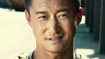 """《战狼2》先导预告 吴京被""""开除军籍""""身份成谜"""