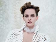 爱玛·沃森《名利场》写真 秀酥胸玩儿转复古风