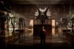 《侏罗纪世界2》首曝照 神秘少女搭档恐龙登场