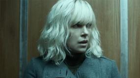 《极寒之城》限制级沙龙网上娱乐 查理兹·塞隆化身性感间谍