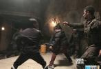 万众期待的《荒原》第二季开播第一集便获得四百五十万观众收视的好成绩。该剧由冯德伦携中国功夫元素进军好莱坞,再加上美剧轻快的风格,受到年轻人的高度关注。在美国电视圈最受25岁至54岁观众欢迎的电视剧TOP10中,AMC公司所拥有的电视剧占到4部之多,《荒原》也是其中之一。