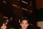 两部来自香港的文艺片《点五步》和《一念无明》4月7日均在内地上映,这两部影片分别是陈志发和黄进的导演处女作,在香港本土收获了一致的高口碑。今日,在香港出席活动时,两人接受采访聊了聊拍摄期间的故事,并且透露了自己的新片计划。