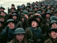 《敦刻尔克》曝新海报 怀特海德匍匐于战场之上