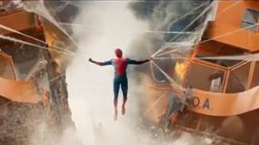 《蜘蛛侠:英雄归来》蜘蛛侠身份被发现片段