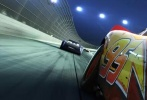 北京时间7月13日消息,由皮克斯动画工作室制作,迪士尼影业出品的《赛车总动员3:极速挑战》将于8月25日(周五)登陆中国影院。中国版终极海报和预告片也一并曝光,赛车系列经典角色闪电麦坤与科技新秀黑风暴杰克逊针锋相对,决战一触即发。