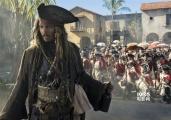 《加勒比海盗5:死无对证》:发胖的船长依然有趣