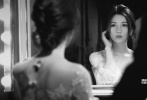 """还记得2015年杨子姗深夜晒结婚证发的那句""""嫁了,他叫吴中天!""""吗?当初低调虐狗无数的他们将于6月10日办婚礼了,今日,""""天姗""""夫妇极具创意的婚纱照正式曝光,这套由陈正道领衔的全优乐国际制作团队打造的大片充满甜蜜的心思,随之曝光的还有二人的婚礼礼盒与请柬,每个细节都包含了两人幸福的痕迹。"""