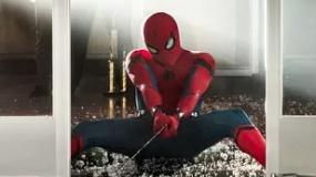 《蜘蛛侠:英雄归来》预告片 小蜘蛛欢脱战秃鹫