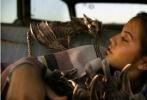 近日派拉蒙影业出品的科幻动作优乐国际《变形金刚5:最后的骑士》发布海量剧照,人气角色大黄蜂、热破以及马克·沃尔伯格饰演的凯德·伊格尔、安东尼·霍普金斯饰演的艾德蒙·伯顿爵士等纷纷现身,画面场景宏大,气势逼人。