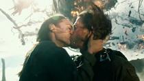 """《变形金刚5:最后的骑士》""""并肩作战""""版预告片"""