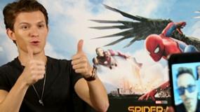 《蜘蛛侠:英雄归来》蜘蛛侠连线钢铁侠视频