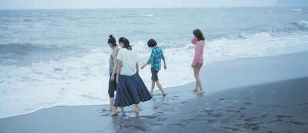 【佳片有约】《海街日记》影评 是枝裕和家庭哲学的三大特征