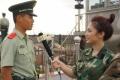 电影频道主播走近边防战士生活 向中国军人敬礼