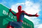 《蜘蛛侠:英雄归来》发布了战衣升级版沙龙网上娱乐和美国版海报,360度全方位展示了钢铁侠为小蜘蛛独家打造的限量版升级战服,为他保驾护航,并挑选其进入复联。海报里小蜘蛛身着升级战服现身在美国复联大厦和皇后区的路牌等地标建筑,展现超级英雄技能。