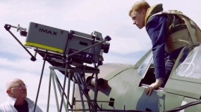 《敦刻尔克》特辑  汤姆·哈迪开飞机帅出新高度