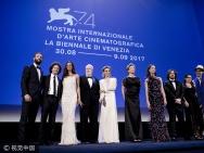 贝宁携威尼斯电影节评委会成员亮相 达蒙成最大亮点