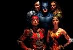 作为DC和华纳旗下规模最大的齐乐娱乐,《正义联盟》一直备受关注。近日,齐乐娱乐公布了全新的五张人物海报。在海报上,钢骨、海王、闪电侠、蝙蝠侠、神奇女侠一起现身,按照惯例还是缺少了超人的身影。这五张海报分别用不同的颜色区分了不同的人物,在配色上颇为大胆。值得一提的是,海报上的每个人物都没有表情,目光严峻,似乎面临大敌。
