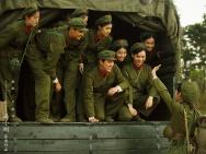 冯小刚《芳华》携黄轩开唱 《那些花儿》献战友