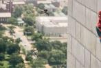 今日上映的好莱坞科幻冒险动作大片《蜘蛛侠:英雄归来》由美国哥伦比亚影片公司和漫威影业联合出品,乔·沃茨执导,汤姆·赫兰德、小罗伯特·唐尼、迈克尔·基顿、玛丽莎·托梅联袂主演,并以3D、IMAX3D、中国巨幕3D制式登陆全国影院。