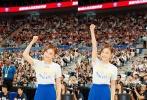 近日,袁姗姗现身上海参加NBA球迷日活动,与金州勇士队的球星们一起打篮球。穿着蓝色队服的她,扑面而来的青春活力,动感十足。