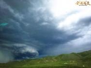 《金珠玛米》曝罕见自然奇观 意外捕捉高原龙卷风