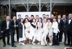 10月12日,李冰冰廖凡任泉等上海戏剧学院表演系93级同学现身上戏,赶赴一场毕业20年的同学聚会。当天,男同学们皆身穿黑西装十分帅气,女同学们则都一袭白裙回到白衣飘飘的年代,重现温馨美好的大学时光。