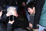 """张艾嘉执导并主演的电影《相爱相亲》于10月12日在京开启高校巡演第一站,主演张艾嘉、田壮壮、吴彦姝、宋宁峰、郎月婷现身,著名艺术家于蓝、演员齐溪等人也到场助阵。放映结束后,在片中饰演夫妻的张艾嘉与田壮壮共同上台与观众交流,谈到首次担纲主演就凭借该片入围金马奖最佳男主角,田壮壮谦虚地表示,""""提名总要凑齐五个人嘛。"""""""