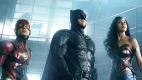 《正义联盟》曝蝙蝠侠特辑 有钱能打还有拉风战车