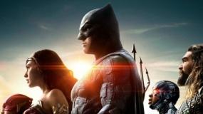 《正义联盟》蝙蝠侠等群雄合体 火力倍增狂开挂