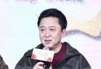 """谁能在自己的导演处女作当中请到包括吴京、冯小刚、井柏然、林志玲、王宝强、大鹏等33位知名电影人加盟?最近有一位""""新导演""""真的做到了,他就是郭德纲。11月20日,这部名为《祖宗十九代》的齐乐娱乐在北京举行首场发布会,郭德纲携众主创出席,并正式宣布大年初一公映,进军2018春节档。"""