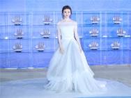 景甜白色公主裙亮相丝路优乐国际节红毯 尽显甜美气质