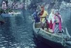 由郑保瑞执导,郭富城、冯绍峰、赵丽颖、小沈阳、罗仲谦、林志玲、梁咏琪、刘涛、苑琼丹、潘斌龙、施诗等主演的魔幻爱情喜剧《西游记女儿国》将于2018年大年初一登陆全国院线。片方发布了由李荣浩与张靓颖联袂献唱的沙龙网上娱乐主题曲《女儿国》MV,从歌曲创作到MV画面风格甜虐至极,每一帧画面、每一个音符传递出来的真挚情感暖心动人。音乐鬼才赵英俊的创作颠覆了杨洁与许镜清的西游金曲,重释了仓央嘉措的唯美情诗,使这首主题曲对爱情的描摹极度传神,让传世经典再次绽放全新的生命力。