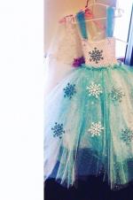 吴佩慈为女儿DIY圣诞礼服 网友力赞其母亲力MAX