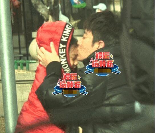 贾乃亮亲吻甜馨停不下来 和甜馨分别暗自伤心流泪