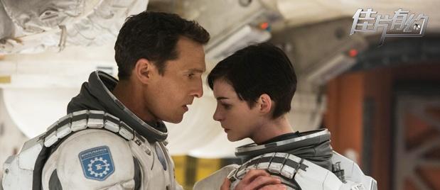 【佳片有约】《星际穿越》推介 诺兰还原太空环境完成儿时梦想