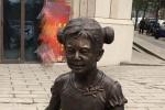 网友遇雕像神似何炅 本尊回应:灵感哪儿来的