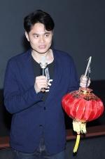 《中邪》香港展映吓坏观众 导演马凯提灯笼现身