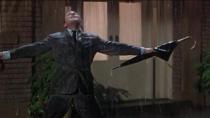 斯坦利·多南拍《雨中曲》为求雨滴更加清晰 竟在水枪中加牛奶