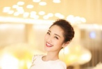 第八届北京国际沙龙网上娱乐节开幕式典礼于2018年4月15日晚在北京怀柔雁栖湖国际会展中心举行,中外著名沙龙网上娱乐人汇聚北京。沙龙网上娱乐频道当家花旦主持人蓝羽和郭玮分别主持北京国际沙龙网上娱乐节的开闭幕式和红毯,CCTV6沙龙网上娱乐频道也对第八届北京国际沙龙网上娱乐节开闭幕式进行全程直播。