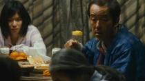 《小偷家族》发布正式预告片