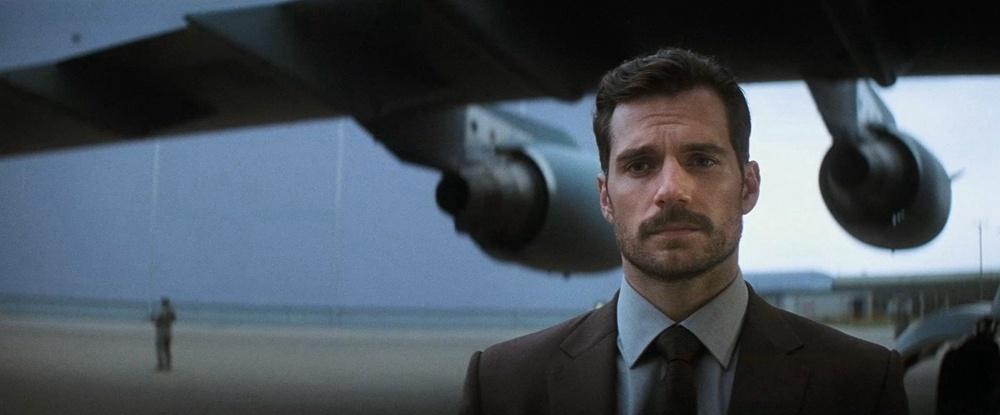 《碟中谍6:全面瓦解》发布惊喜版预告 跳伞坠机命悬一线亨利·卡维尔向中国问好