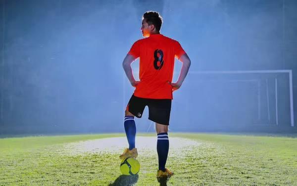 """《点球成金》点燃世界杯之夏 演绎青春版""""少林"""